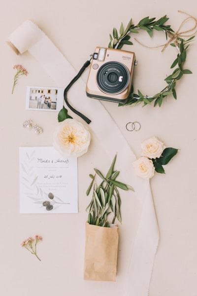 Zakaj nevesta nosi poročni šopek