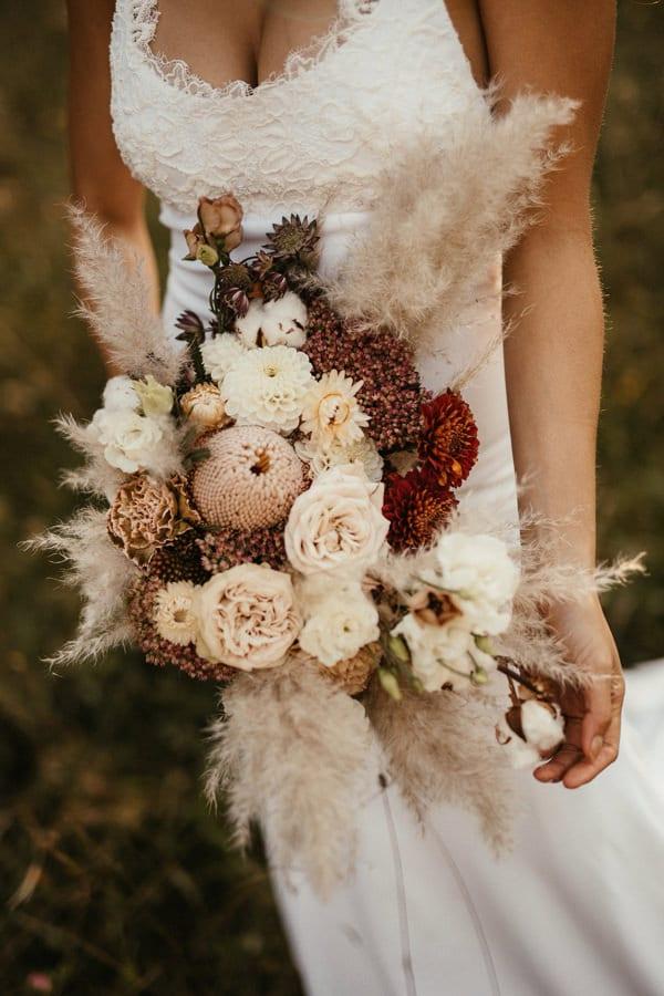 Poročni-šopek-zemeljskih-barv