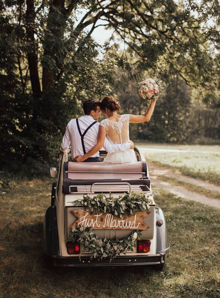 dekoracija-avtomobila-za-poroko-6