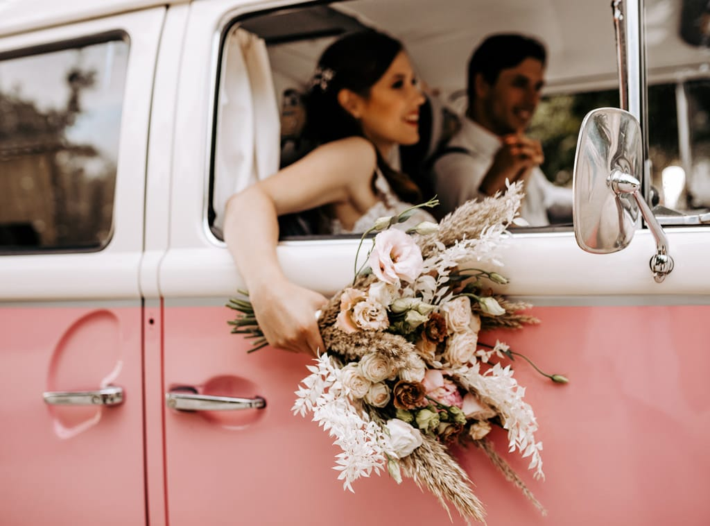 dekoracija-avtomobila-za-poroko